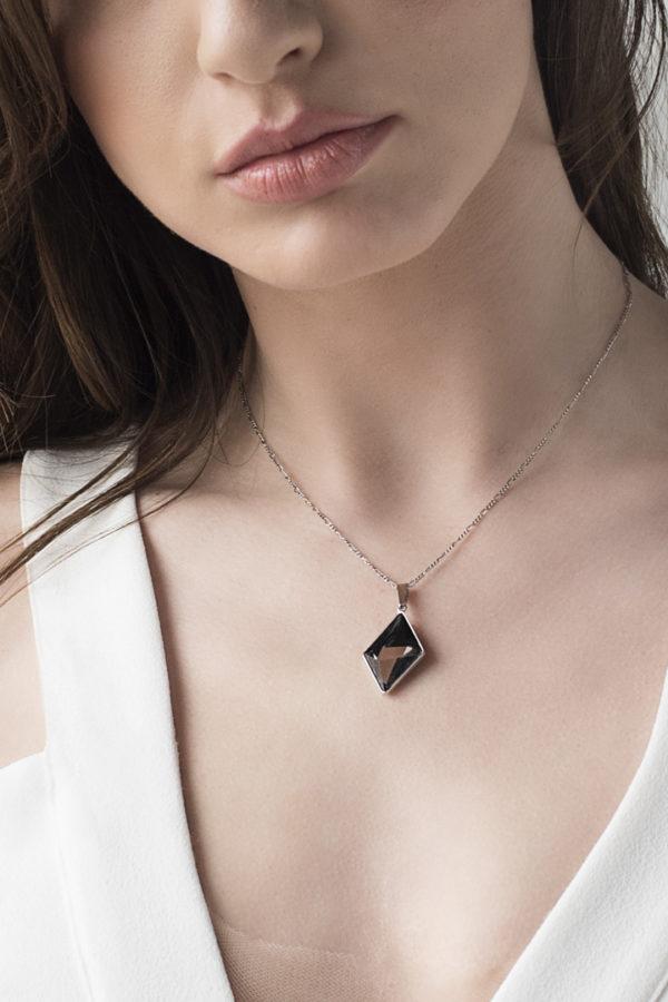 collar swarovski diamante colores en cuello